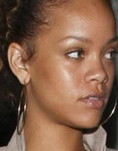 Rihanna No Makeup