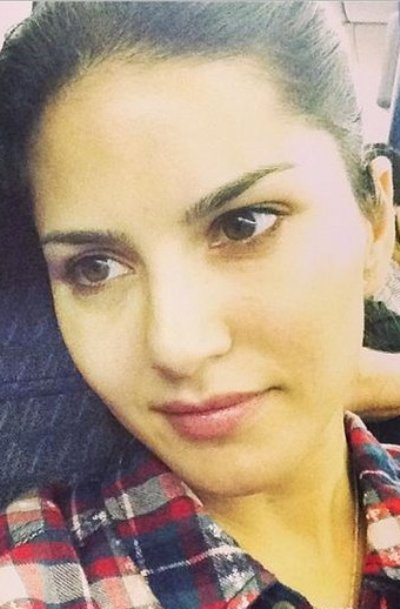 Sunny Leone No Makeup Pictures
