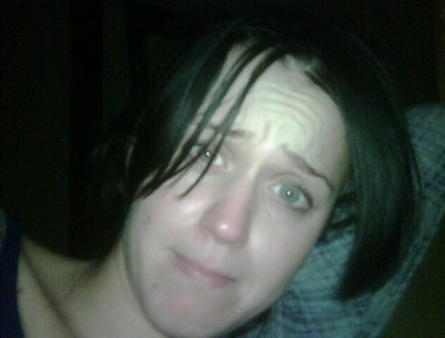 Katy Perry no makeup selfie