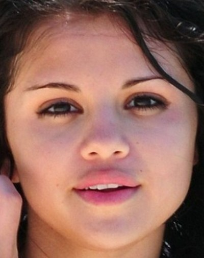 Selena Gomez No Makeup Pictures