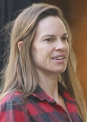 Hilary Swank Without M...