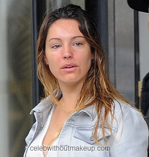 Kelly Brook No Makeup On Her Face
