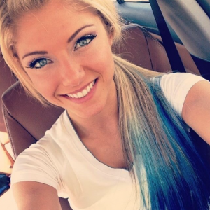 Alexa-Bliss-No-Makup