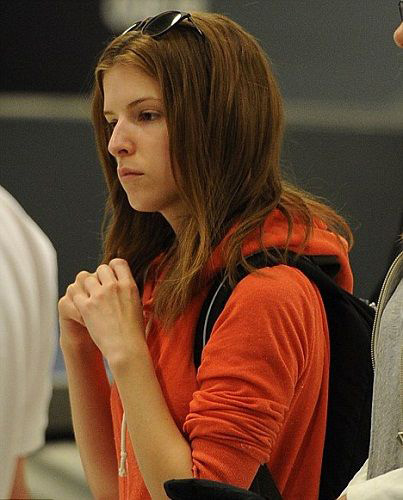 Anna Kendrick No Makeup