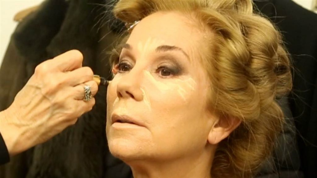 Kathy Lee Gifford putting on her makeup